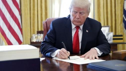 Presidente Trump firmó Ley de Lucha  contra el sexo Online