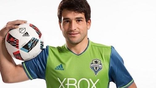 Nicolás Lodeiro anota dos veces, Sounders derrota a Vancouver 2-0