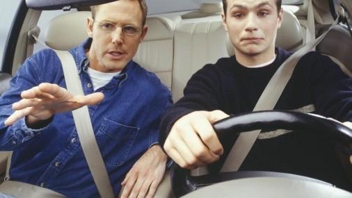 Porque muchos Padres no hacen cumplir las Leyes de Seguridad vial a sus hijos?