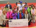 Oklahoma City Dodgers Béisbol Fundación Ayuda a Proporcionar Abrigos para estudiantes de escuela primaria