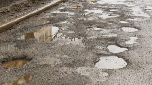 Cuáles son las 10 ciudades con las carreteras peor mantenidas