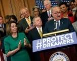 La inmigración abre fallas ideológicas para los demócratas 2020