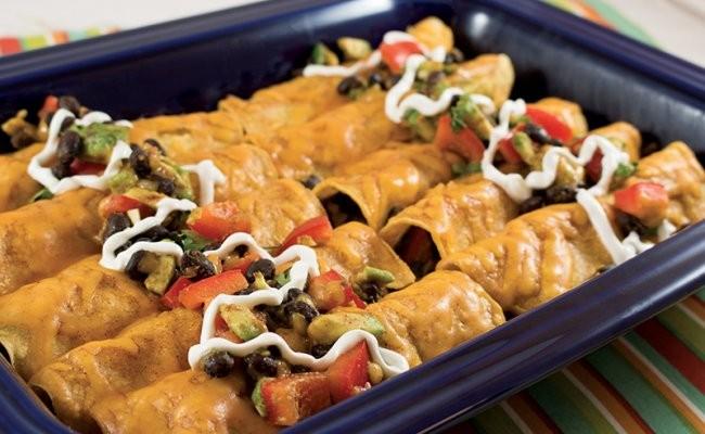 Receta de la Semana: Enchiladas de aguacate y frijoles negros