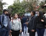 Jóvenes mexicanos vuelven a fiestas, aunque algunos se vacunan