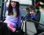 Touch A Truck  ofrece una oportunidad de aprendizaje familiar